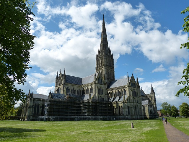 salisbury church cathedral